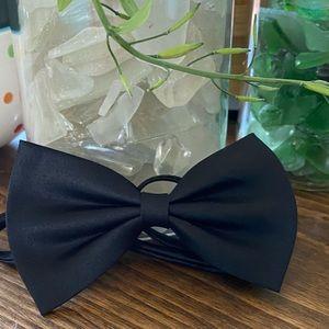 NWOT baby toddler child black silk bow tie